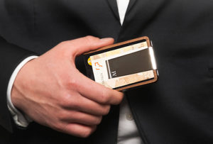 Keep Yourself Organized with a Luxury Moneyclip from Hivent